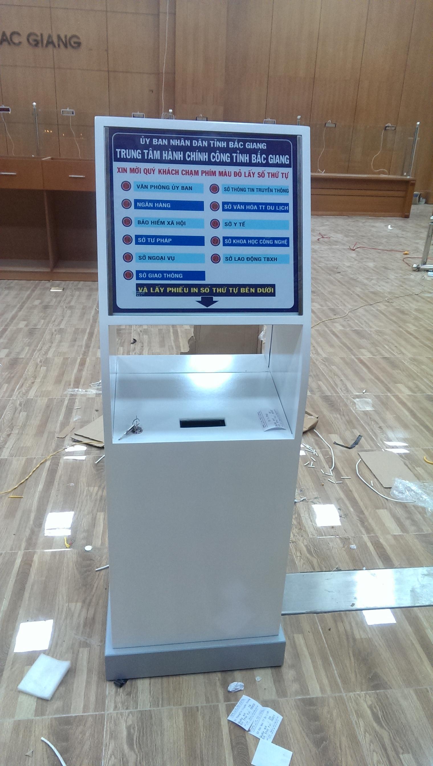 Máy in cấp phát phiếu số thứ tự dạng KIOSK